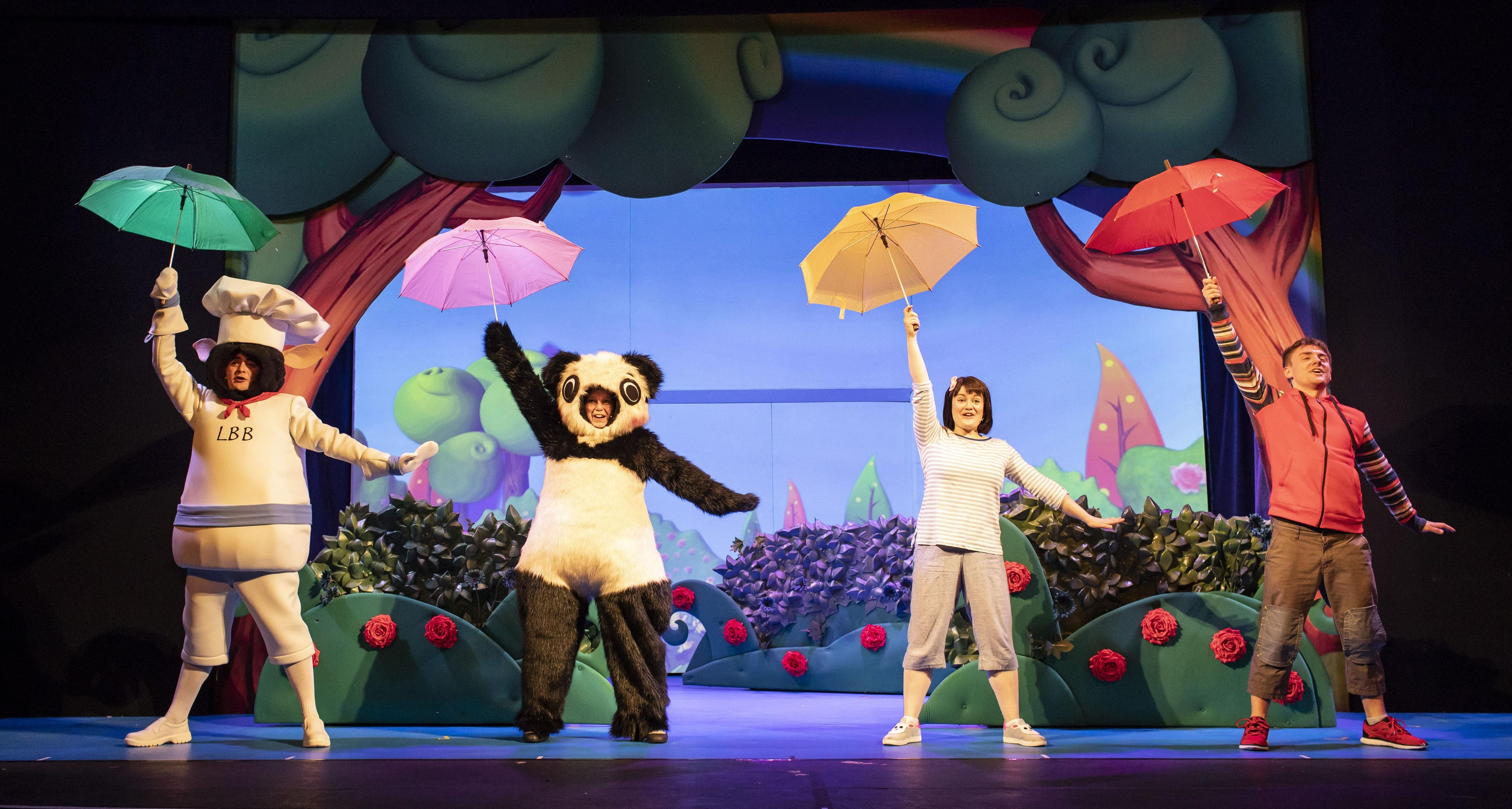 14. LITTLE BABY BUM LIVE. Henry James Cox (BaaBaa), Charlotte Cooper (Baby Panda), Rebecca Withers (Mia), Jack McNeill.jpg