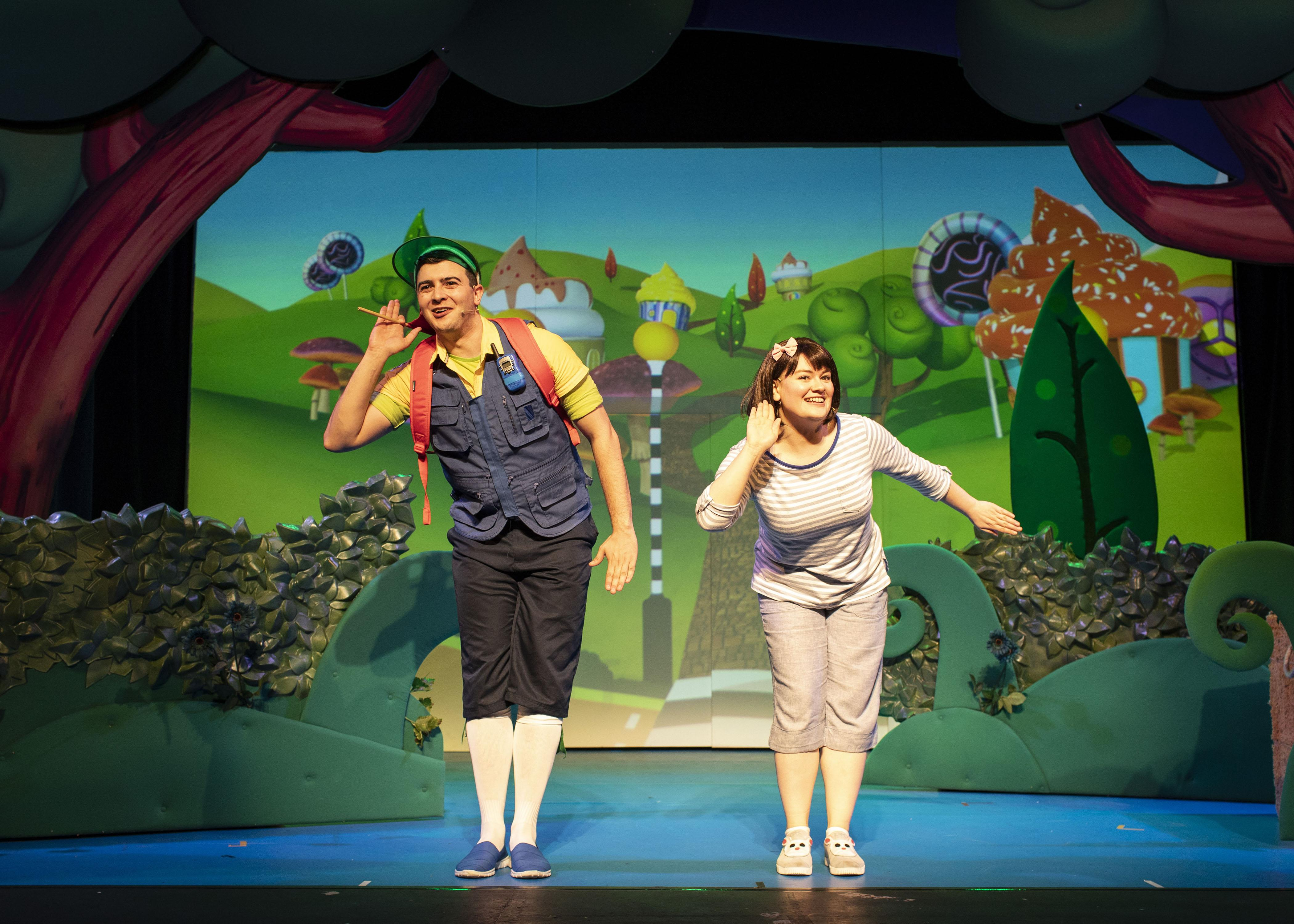 6. LITTLE BABY BUM LIVE. Henry James Cox (Tour Guide) and Rebecca WIthers (Mia). Photo Helen Maybanks.jpg