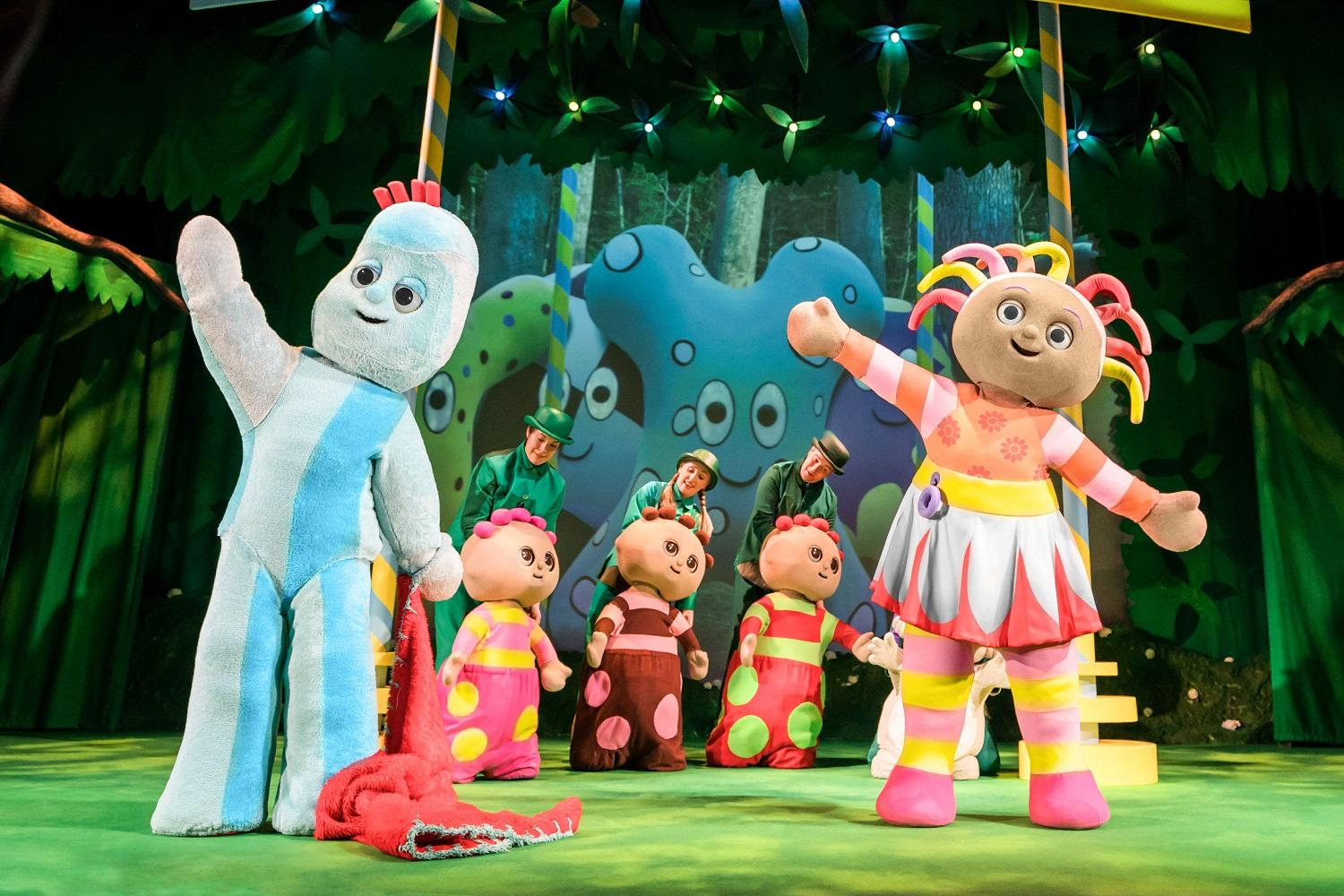 Image of Iggle Piggle, Upsy Daisy and the Tombliboos dancing