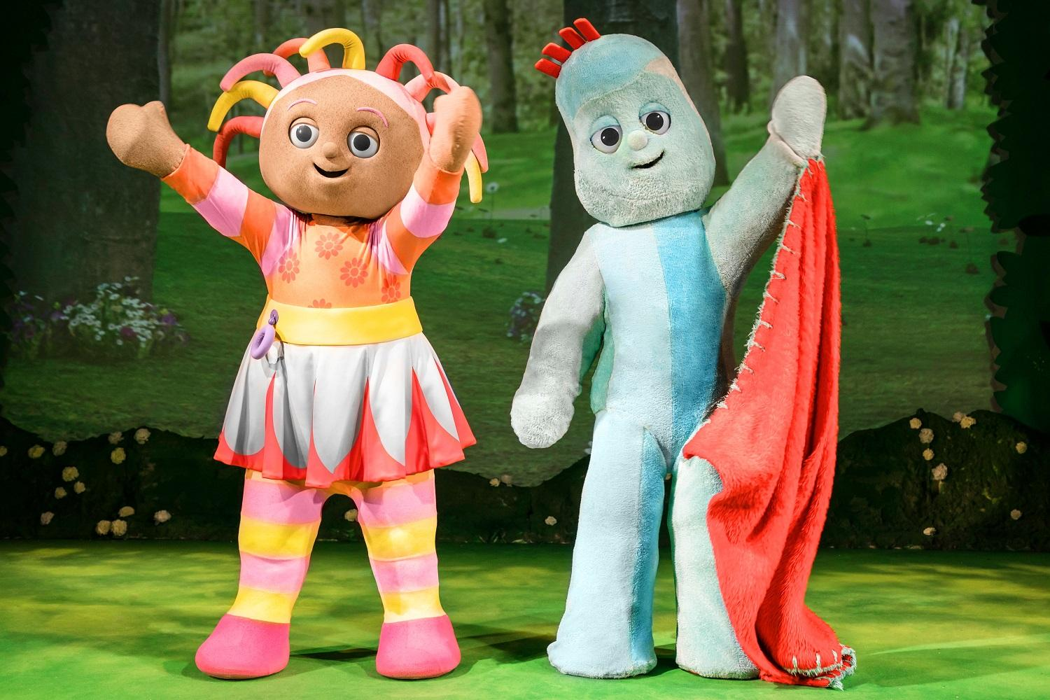 Image of Upsy Daisy and Iggle Piggle waving