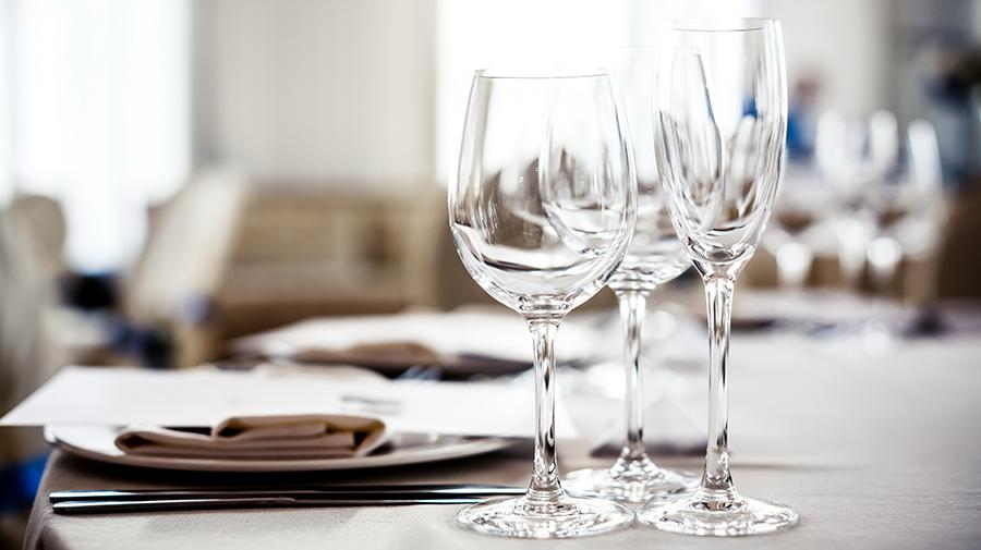 image of wine glasses on table