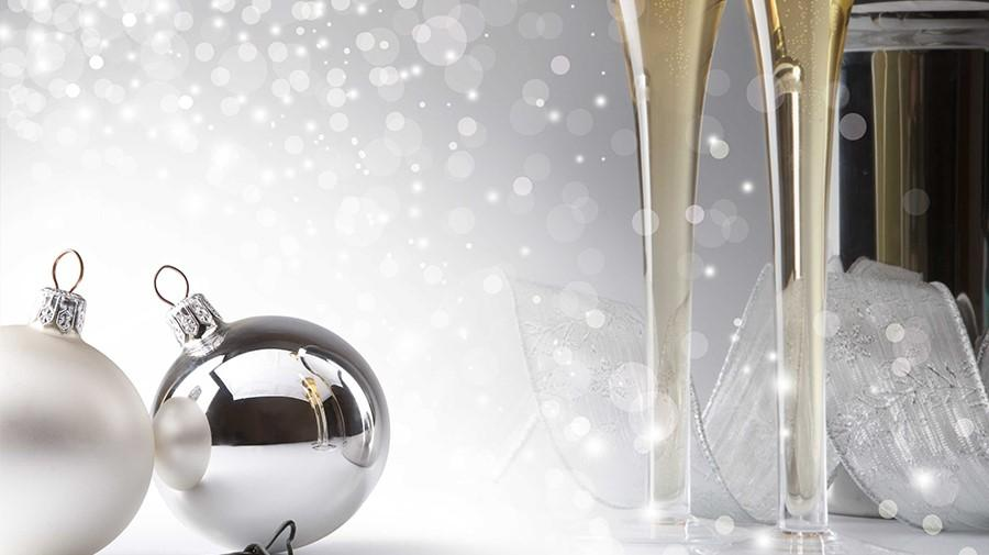 Baubles and champers flutes