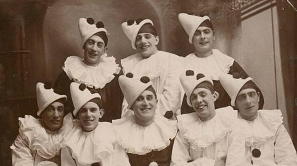 image of a pierrot troupe